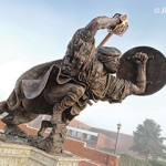 Fighting Scot Statue (c)Jim Prokell